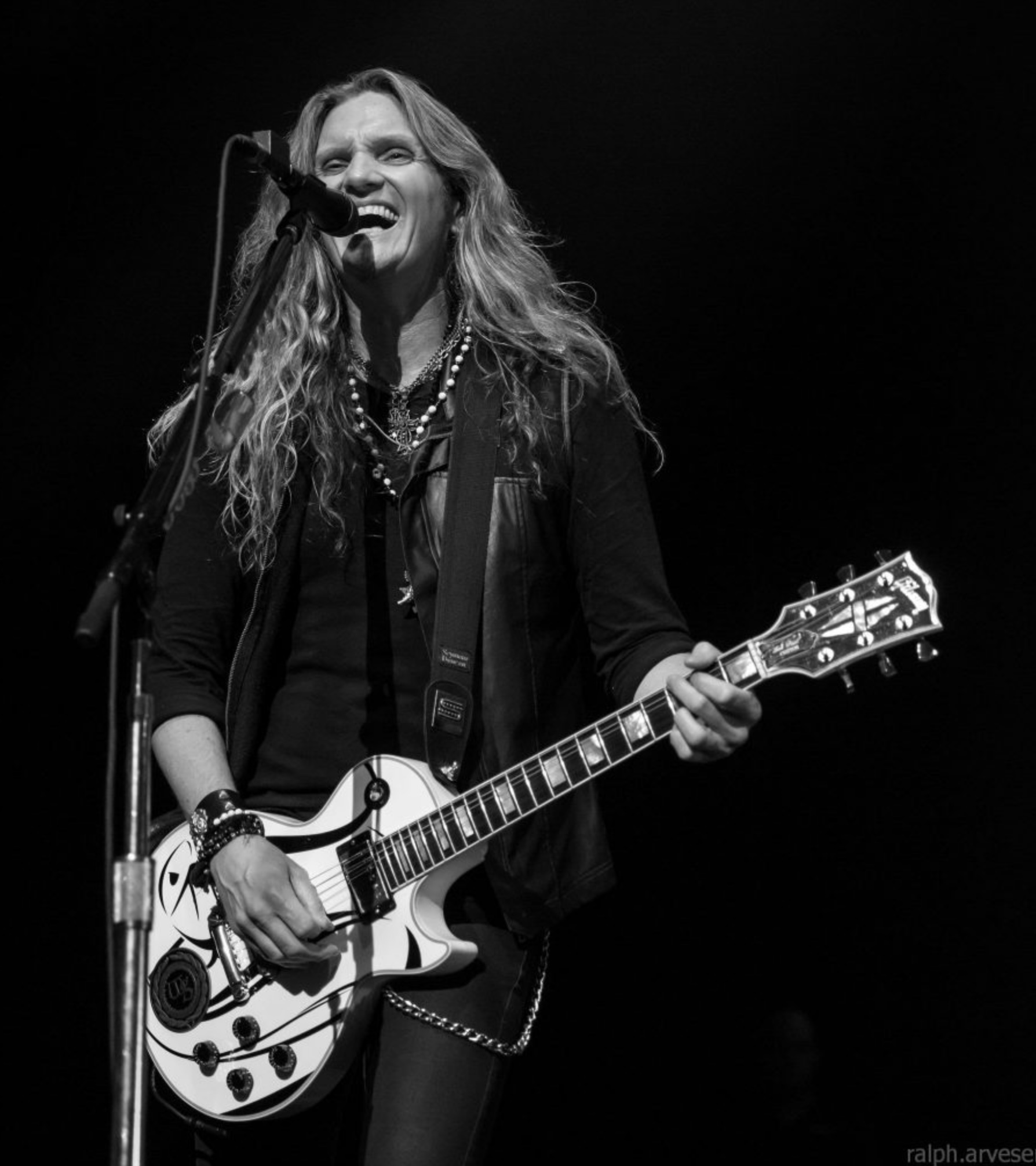 Joel Hoekstra interview: exclusive details on his upcoming album!