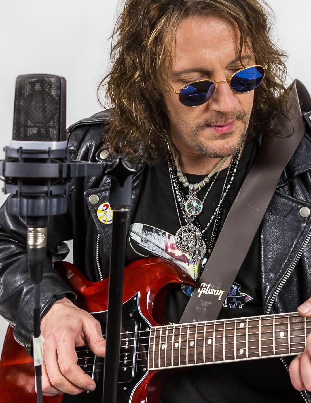 Donnie Vie discusses his upcoming new music.